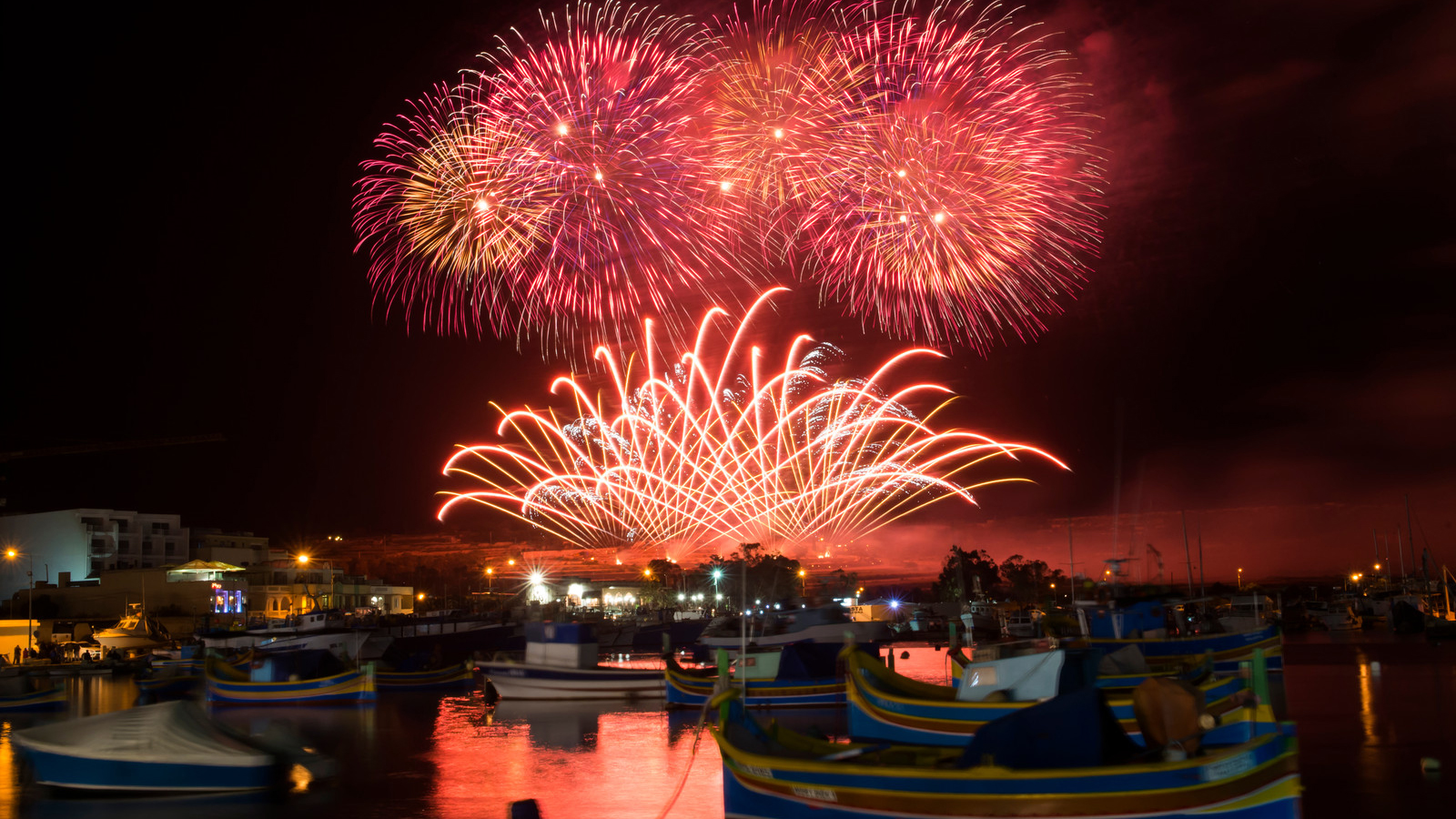 Il Malta International Fireworks Festival illumina i cieli dell'arcipelago